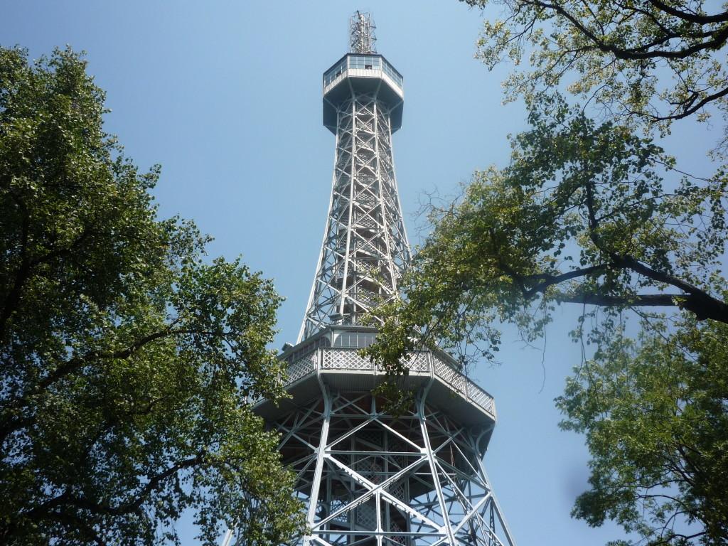 Mini wieża Eiffela w Pradze