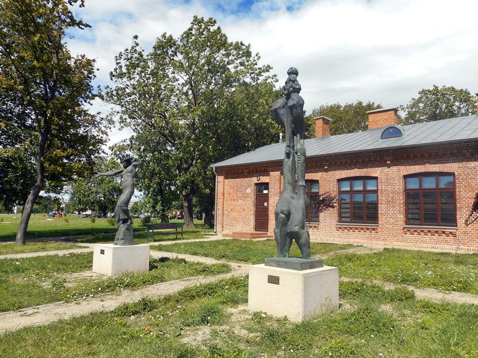 Galeria Rzeźby prof. Mariana Koniecznego w Zamościu
