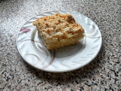 Ciasto bananowe z brzoskwiniową pianką