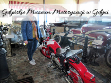 Gdyńskie Muzeum Motoryzacji w Gdyni. Blisko stacji Gdynia Chylonia