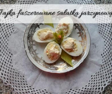 jajka-faszerowane-sałatka-jarzynowa