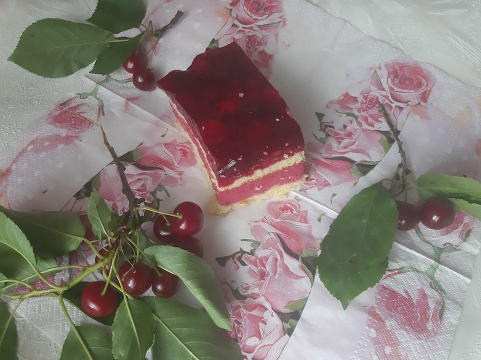 Ciasto z wiśniami na biszkopcie